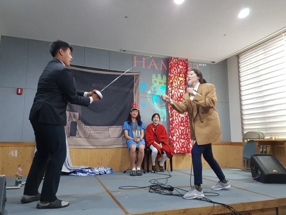 Shakespeare Play 2017_11th Grade (10).jpg