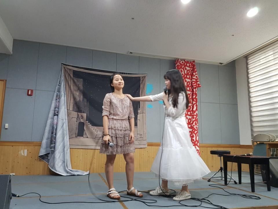 Shakespeare Play 2017_11th Grade (6).jpg